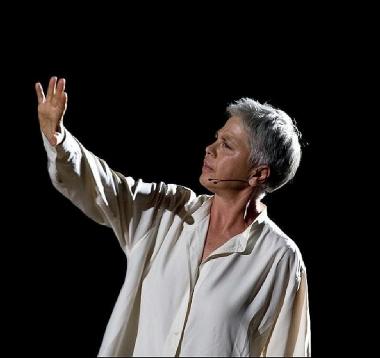 Ottavia Piccolo mette in scena Anna Politkovskaja