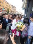 Albertini, Moratti, fiori e fotografi