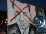 Berlusconi visto dalla piazza del Duomo arancione