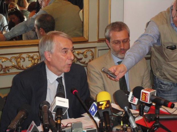 Giuliano Pisapia e il suo portavoce Maurizio Baruffi