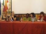 Kirstin Hausen modera il dibattito con Yolande Mokagasana