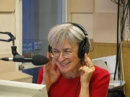 Anna Politkovskaja sorridente
